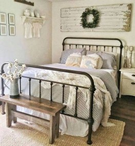 Elegant Farmhouse Decor Ideas For Bedroom 22