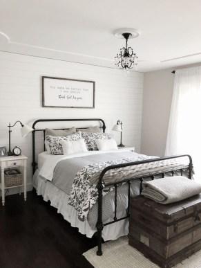 Elegant Farmhouse Decor Ideas For Bedroom 38