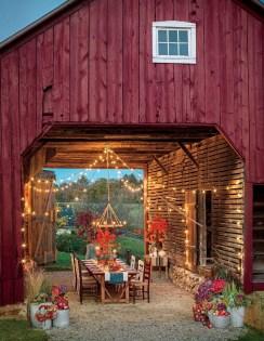 Incredible Autumn Decorating Ideas For Backyard 16