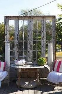 Incredible Autumn Decorating Ideas For Backyard 19