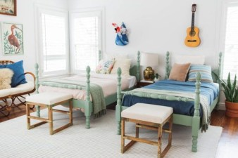 Inspiring Shared Kids Room Design Ideas 10