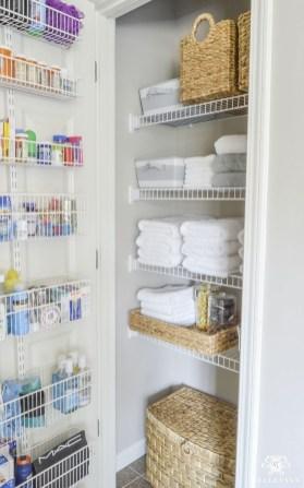 Luxury Towel Storage Ideas For Bathroom 24