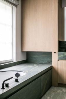 Luxury Towel Storage Ideas For Bathroom 31