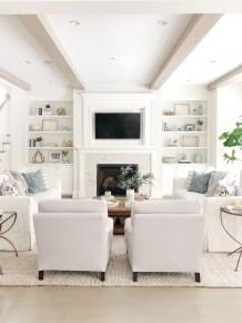 Minimalist Living Room Design Ideas 32