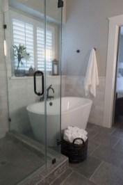 Unusual Small Bathroom Design Ideas 31