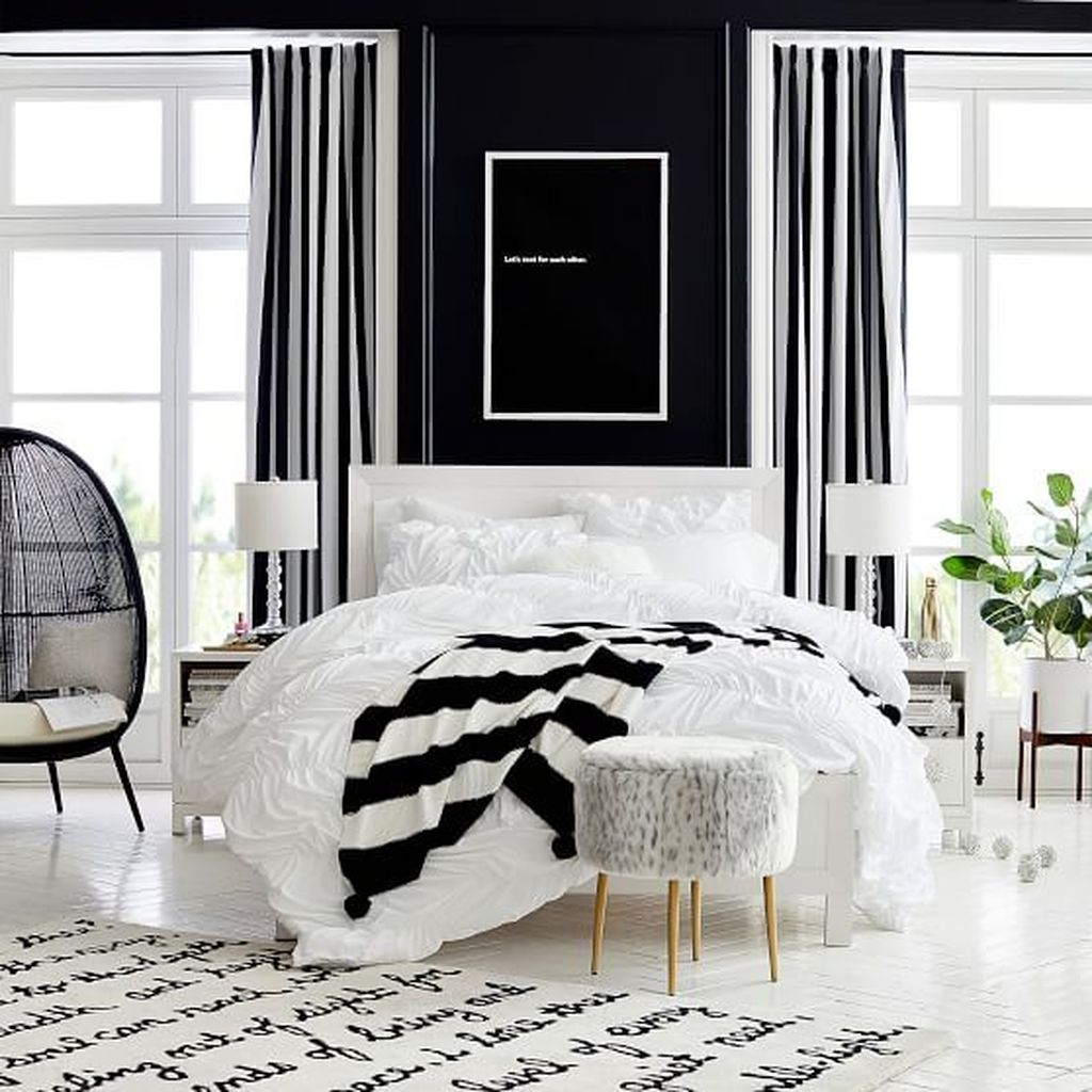 Catchy Living Room Designs Ideas With Bold Black Furniture 28