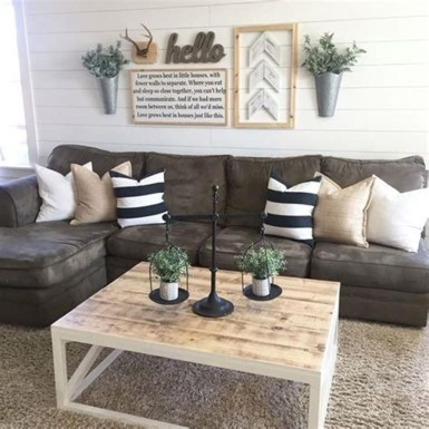 Cool Traditional Farmhouse Decor Ideas For House 09