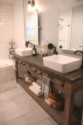 Cozy Small Bathroom Ideas With Wooden Decor 09