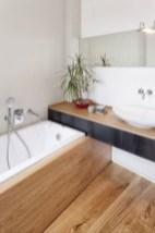 Cozy Small Bathroom Ideas With Wooden Decor 16