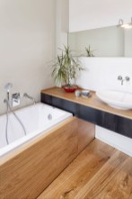 Cozy Small Bathroom Ideas With Wooden Decor 36