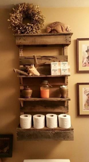 Cozy Small Bathroom Ideas With Wooden Decor 44