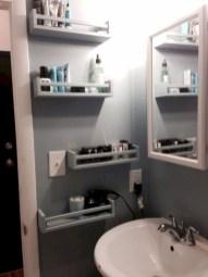 Cozy Small Bathroom Ideas With Wooden Decor 48