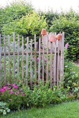 Cute Garden Fences Walls Ideas 37