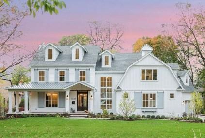 Fabulous White Farmhouse Design Ideas 15