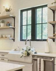 Fabulous White Farmhouse Design Ideas 32