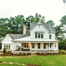 Fabulous White Farmhouse Design Ideas 43
