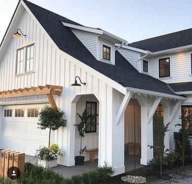 Fabulous White Farmhouse Design Ideas 45