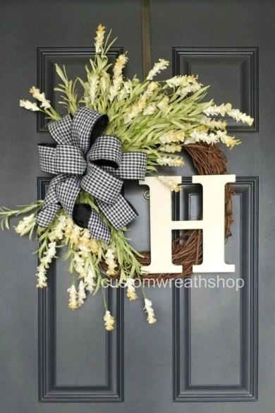 Fascinating Farmhouse Porch Decor Ideas 04