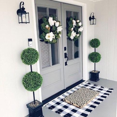 Fascinating Farmhouse Porch Decor Ideas 15