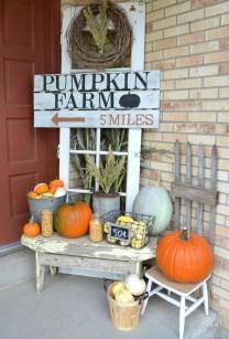 Fascinating Farmhouse Porch Decor Ideas 26