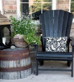 Fascinating Farmhouse Porch Decor Ideas 38