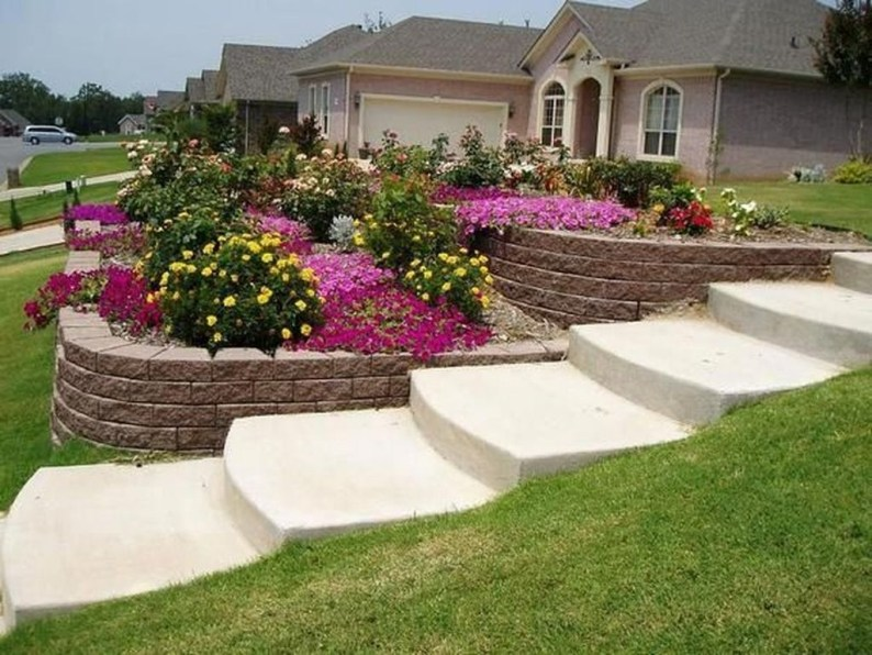 Gorgeous Front Yard Retaining Wall Ideas For Front House 27