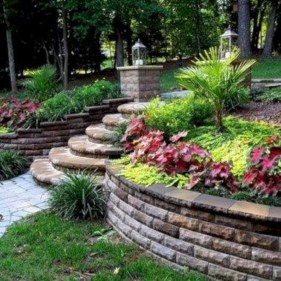 Gorgeous Front Yard Retaining Wall Ideas For Front House 33
