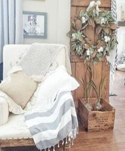 Impressive French Style Living Room Designs Ideas 43