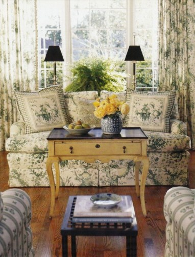 Impressive French Style Living Room Designs Ideas 48