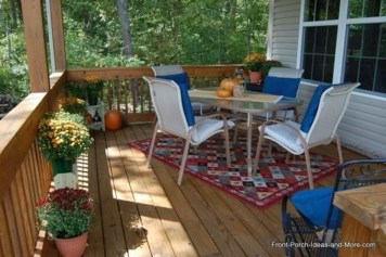 Incredible Autumn Decorating Ideas For Backyard 36