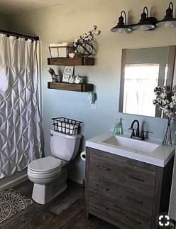 Popular Farmhouse Small Bathroom Decorating Ideas 10