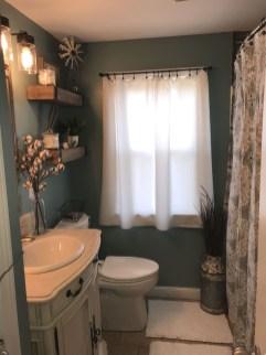Popular Farmhouse Small Bathroom Decorating Ideas 14