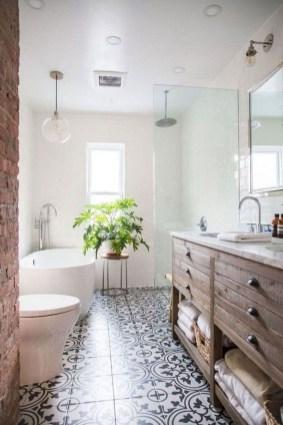 Popular Farmhouse Small Bathroom Decorating Ideas 35