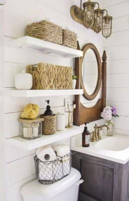 Popular Farmhouse Small Bathroom Decorating Ideas 45