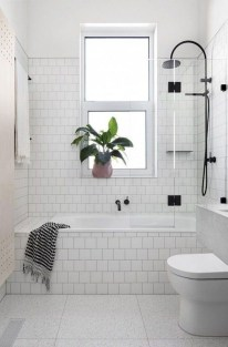 Awesome Bathroom Shower Ideas For Tiny House 13