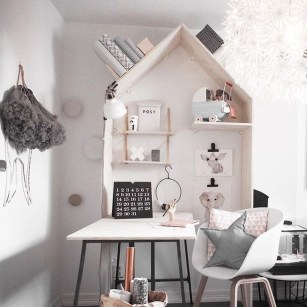 Cozy Bookcase Ideas For Kids Room 19