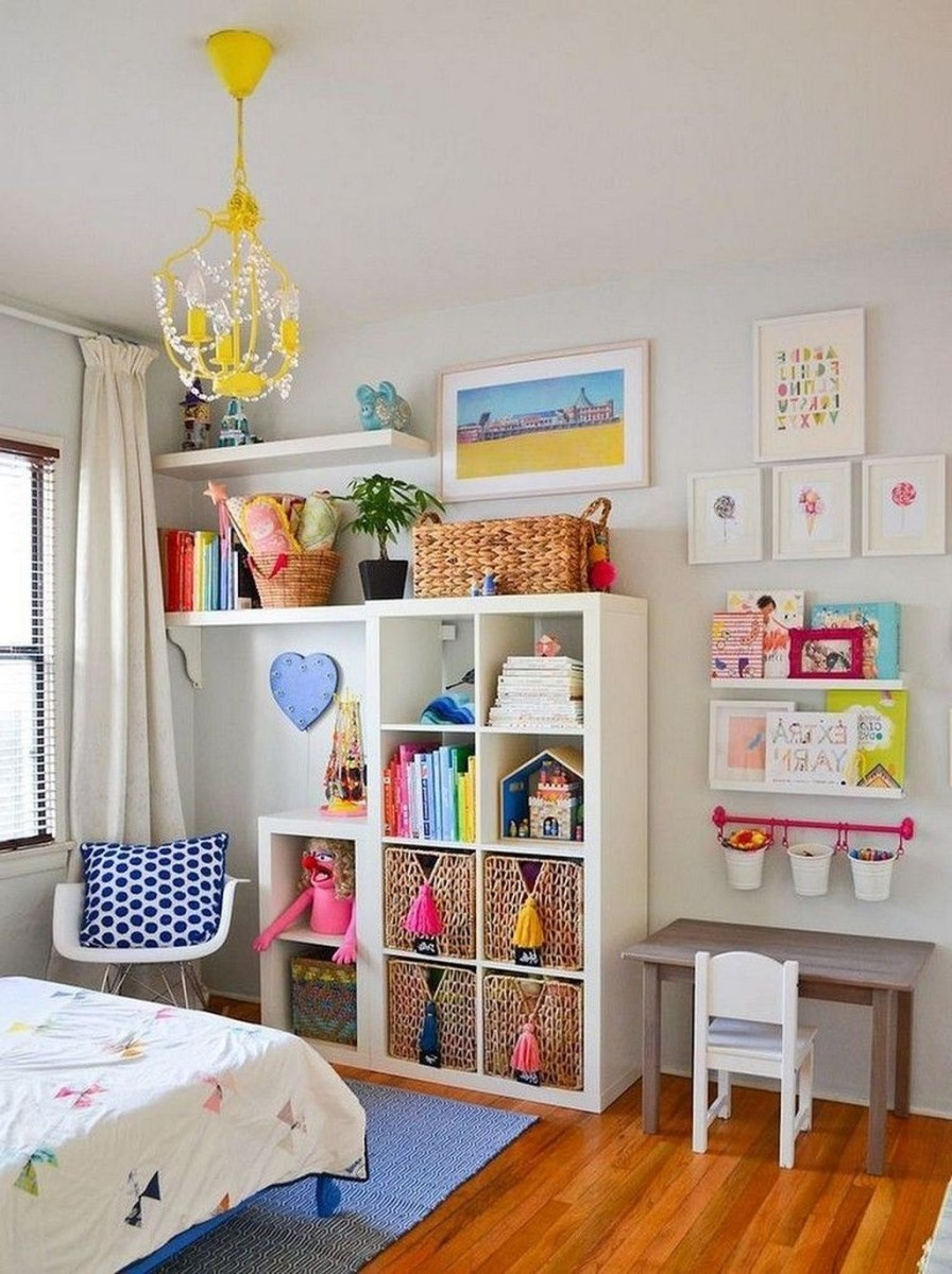 Cozy Bookcase Ideas For Kids Room 24