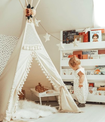 Cozy Bookcase Ideas For Kids Room 27