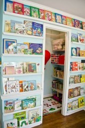 Cozy Bookcase Ideas For Kids Room 31