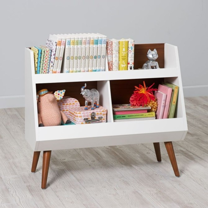 Cozy Bookcase Ideas For Kids Room 49