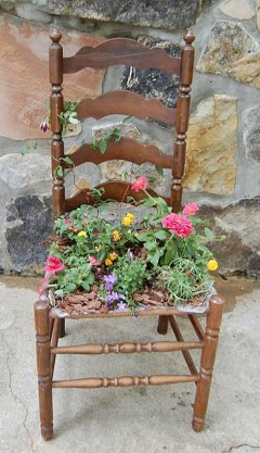 Unique Old Furniture Repurposing Ideas For Yard And Garden 25