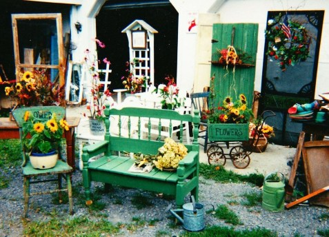 Unique Old Furniture Repurposing Ideas For Yard And Garden 43