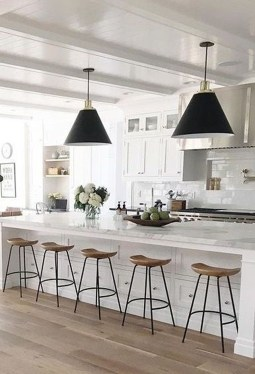 Brilliant Kitchen Set Design Ideas That You Must Try In Your Home 42