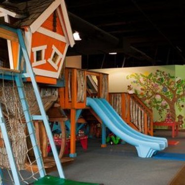 Captivating Treehouse Ideas For Children Playground 20