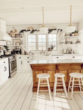 Enchanting Farmhouse Kitchen Decor Ideas To Try Nowaday 07