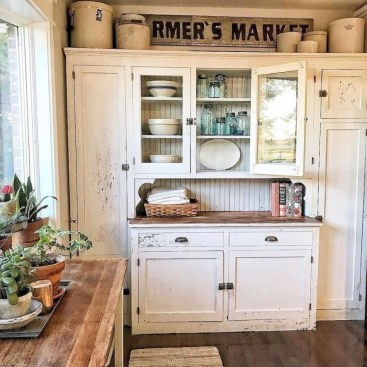 Enchanting Farmhouse Kitchen Decor Ideas To Try Nowaday 26