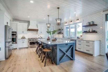 Enchanting Farmhouse Kitchen Decor Ideas To Try Nowaday 38