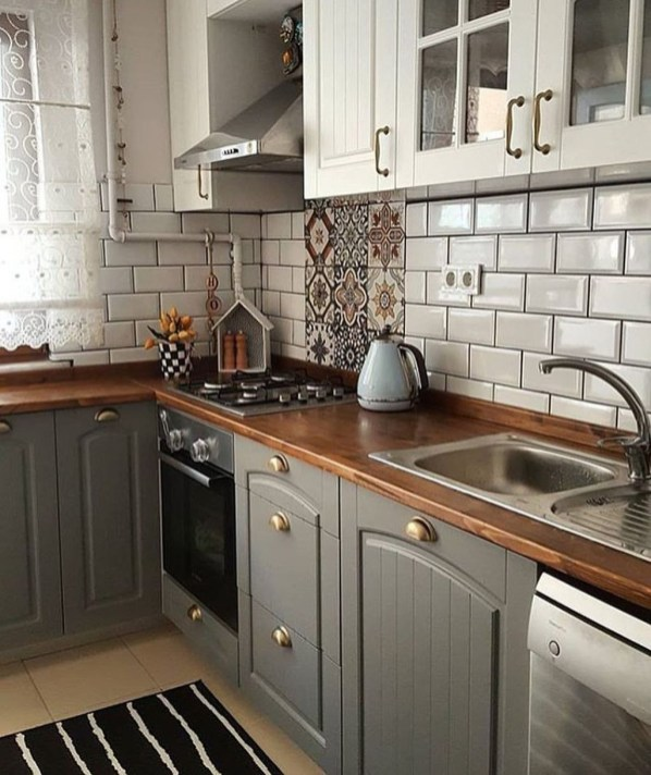 Enchanting Farmhouse Kitchen Decor Ideas To Try Nowaday 55