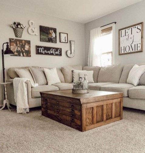 Fancy Farmhouse Living Room Decor Ideas To Try 46