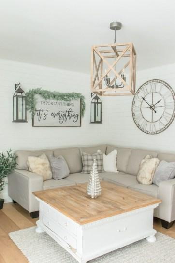 Fancy Farmhouse Living Room Decor Ideas To Try 49